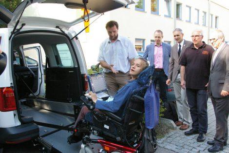 Neues Carsharing-Modell für Augsburgs Rollstuhlfahrer: Flexibel und kostengünstig unterwegs sein